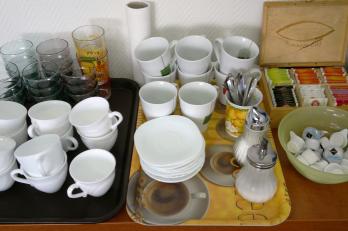 nádobí pro teplé i studené nápoje
