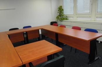 variabilní stolové uspořádání