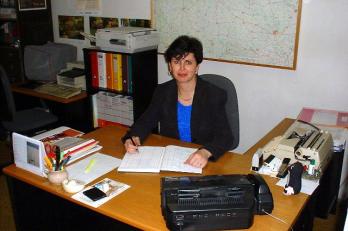 zač. 90. let: psací stroj, fax a elán